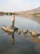 Rubén Huerto. Pescador solitario encontrado un caluroso y tranquilo día, durante un muestreo de indicadores biológicos. Río Balsas, Zirándaro, Mich.
