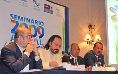 <p>(Izq.a Der.) </p><ul><li>Felipe Vázquez.- SMN </li><li>Daniel Murillo.- IMTA </li><li>Jorge Legorreta.- Centro de Info. del Agua de la Cd. de Méx. UAM </li><li>Alberto Palombo.- Inst. Brasileño de Estudios y Acciones en Saneamiento Ambiental</li></ul>